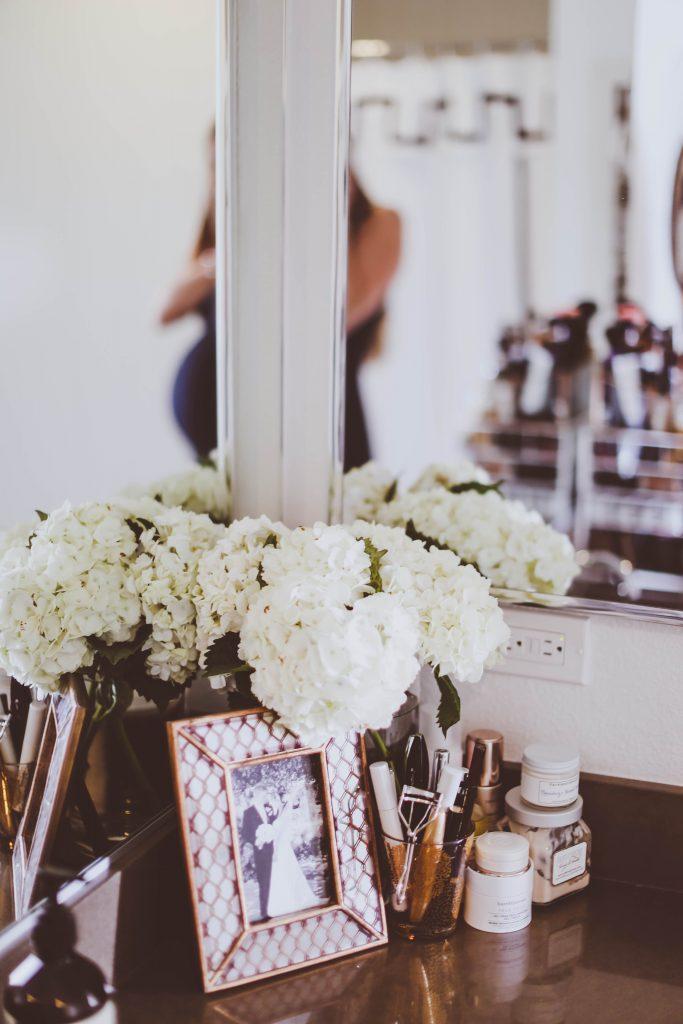 How I Organize My Makeup Vanity   BondGirlGlam.com