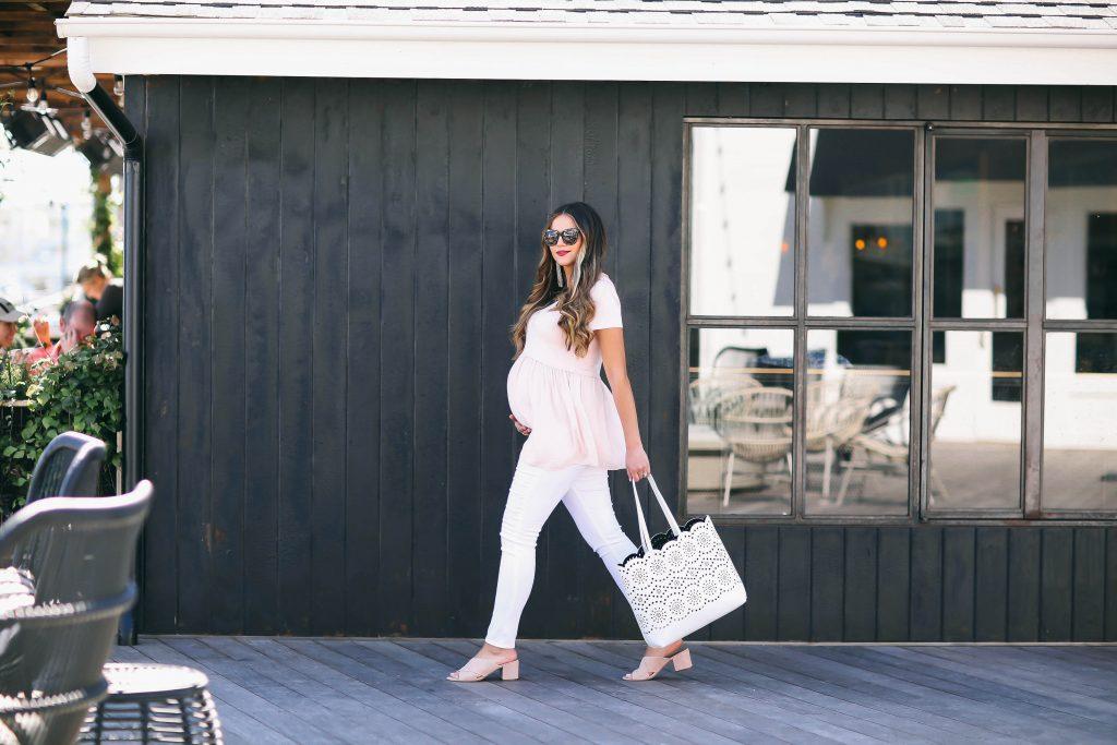 #BumpStyle // Blush Pink T-Shirt & The Best White Maternity Jeans   BondGirlGlam.com
