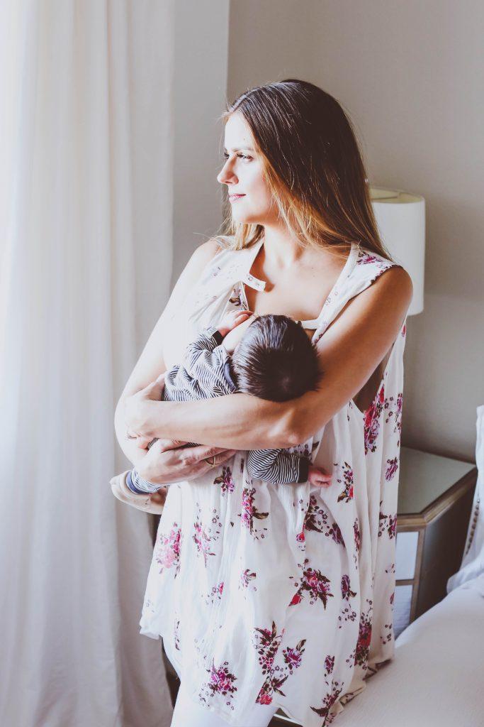 10 Tips for Breastfeeding Mamas | BondGirlGlam.com