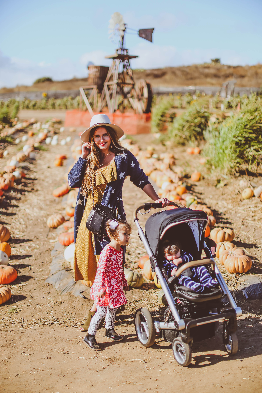 #OOTD // Family Pumpkin Patch Outing   BondGirlGlam.com