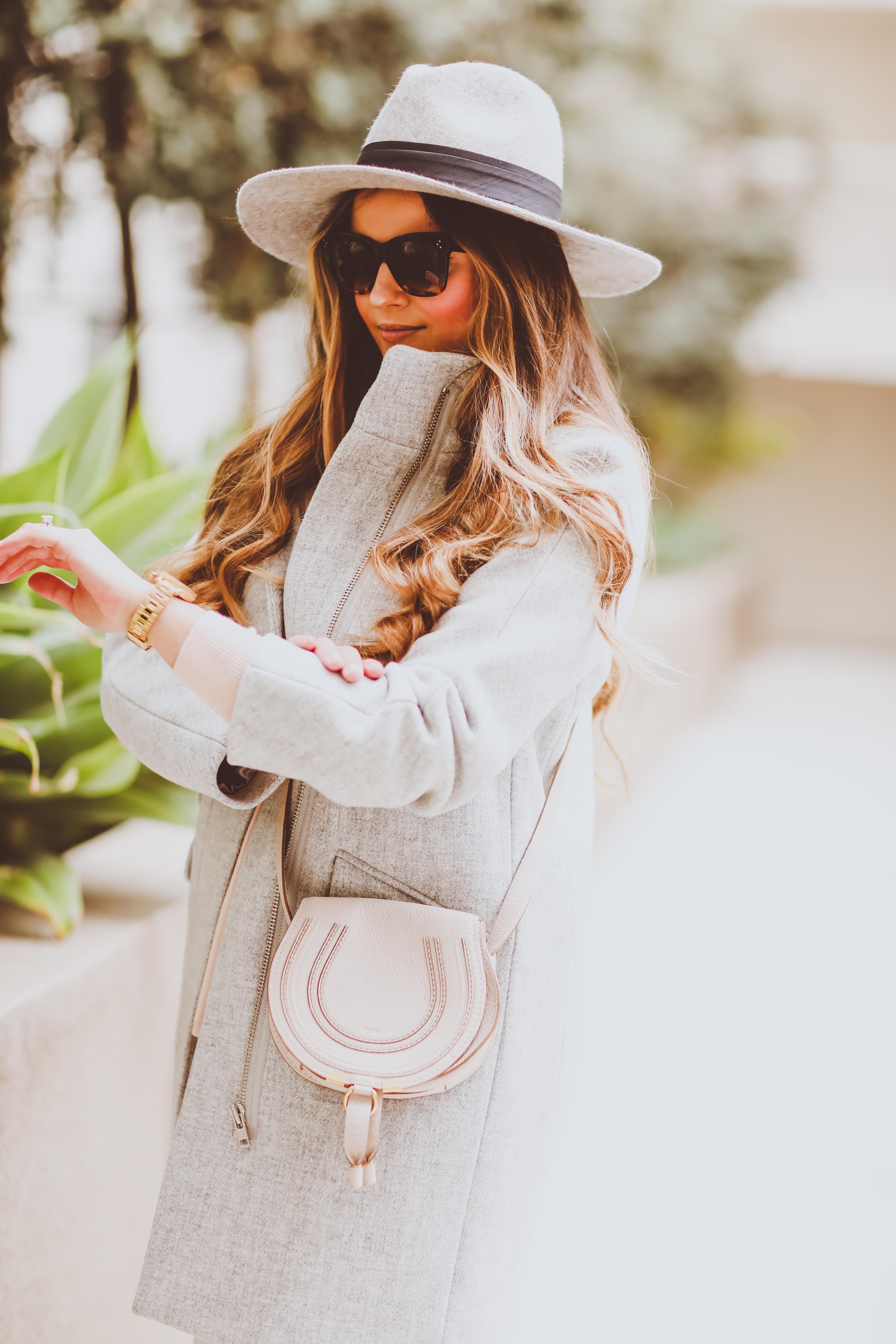 #OOTD // Cozy Cocoon Coat, Everyday V-Neck Sweater & White Skinnies   BondGirlGlam.com