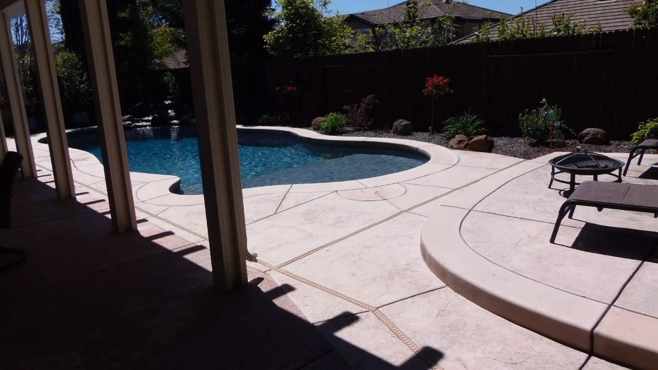 The installed Pool and Landscape
