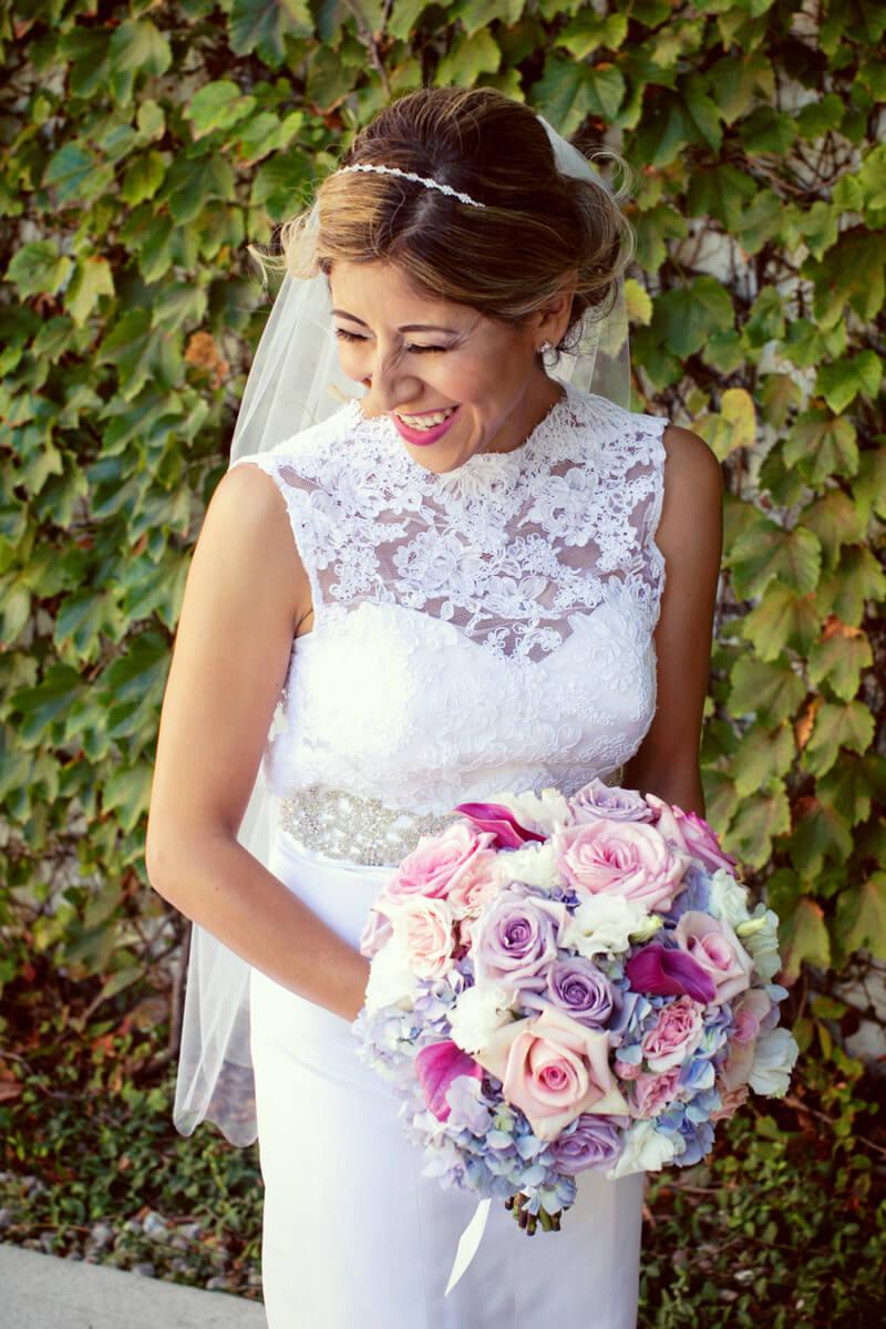 Ivy backdrop for candid bride's portrait