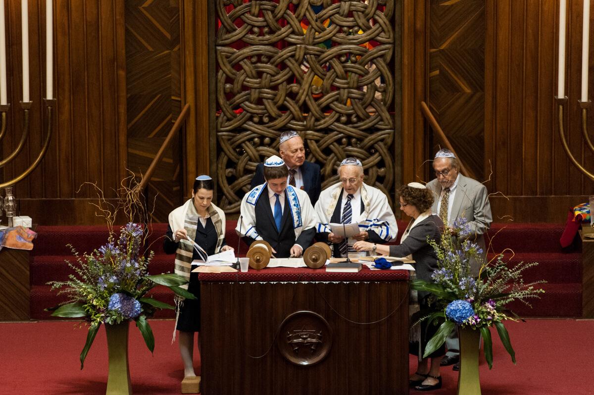 Bar Mitzvah sponsors during service