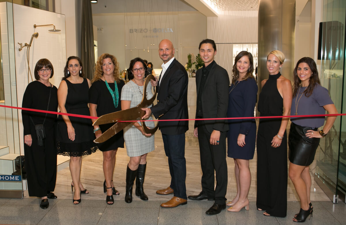 Ribbon Cutting at Chicago Merchandise Mart