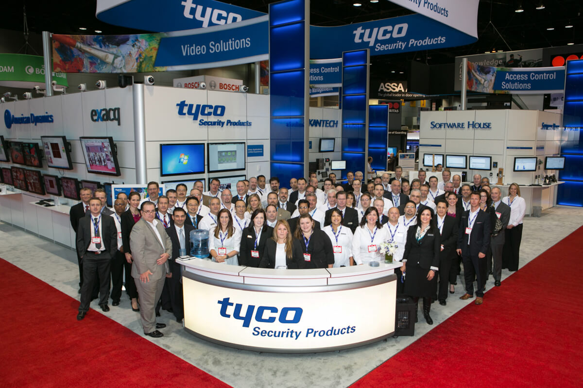 Tradeshow Group Photo at Chicago's McCormick Place