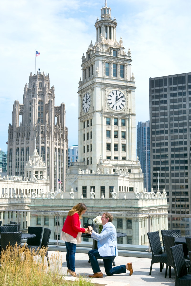 Real life proposal in front of Chicago's Tribune Tower