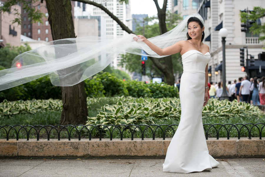 chicago bride with dramatic veil