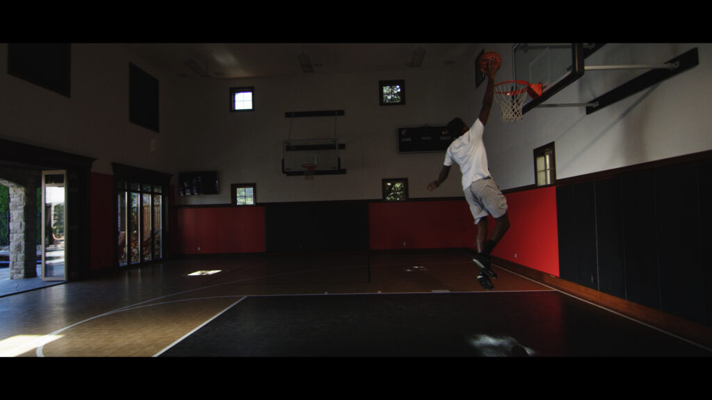 Aminu dunking.