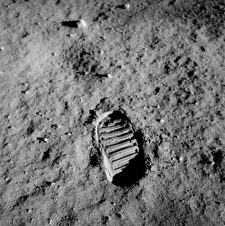 footprint-apollo11-facts-stats