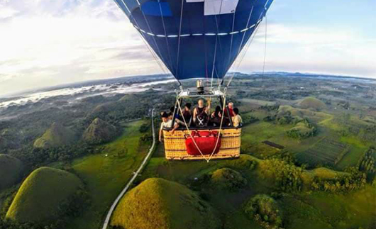 chocolate-hills-airballoon