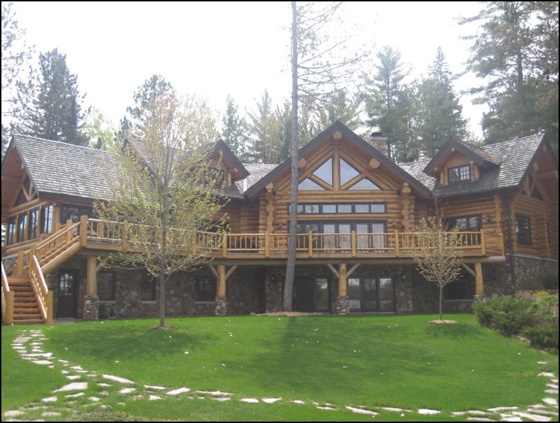 Luxury Log Home North Woods home construction company