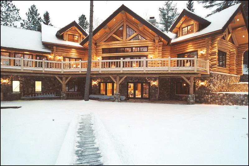 Luxury Log Home Winter Home Builder