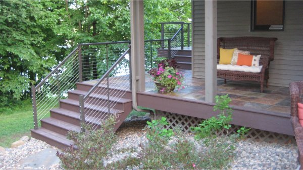 Composite Deck With Modern Rail
