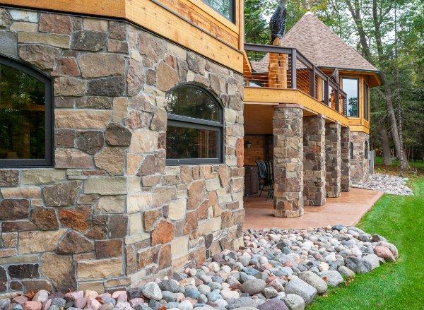 Craftsmen Stonework With Windows