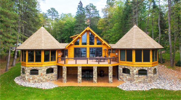 Log Home Deck With Stone Pillars Profile