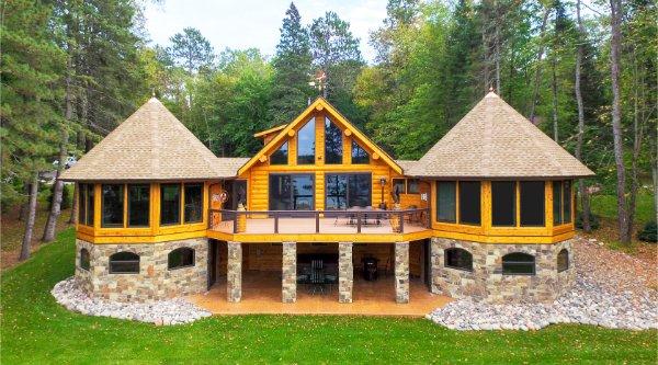 Log Home Deck With Stone Pillars Profile