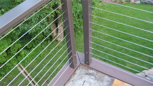 Metal Deck Railing And Wire For Clean Finish
