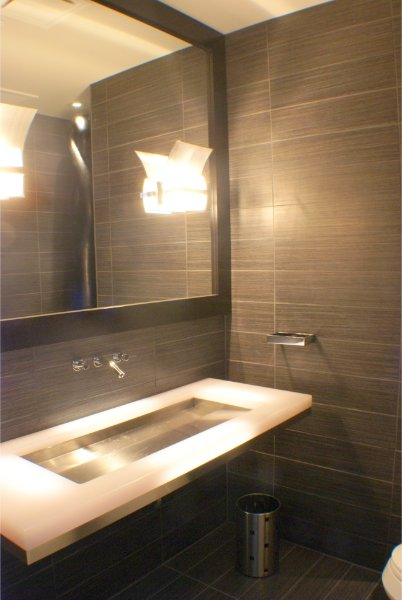 Modern Sleek Bathroom Sink Wall Mount Faucet