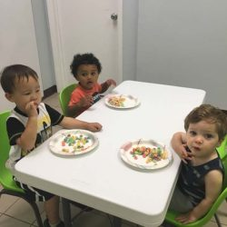 snacktime-in-lunchroom
