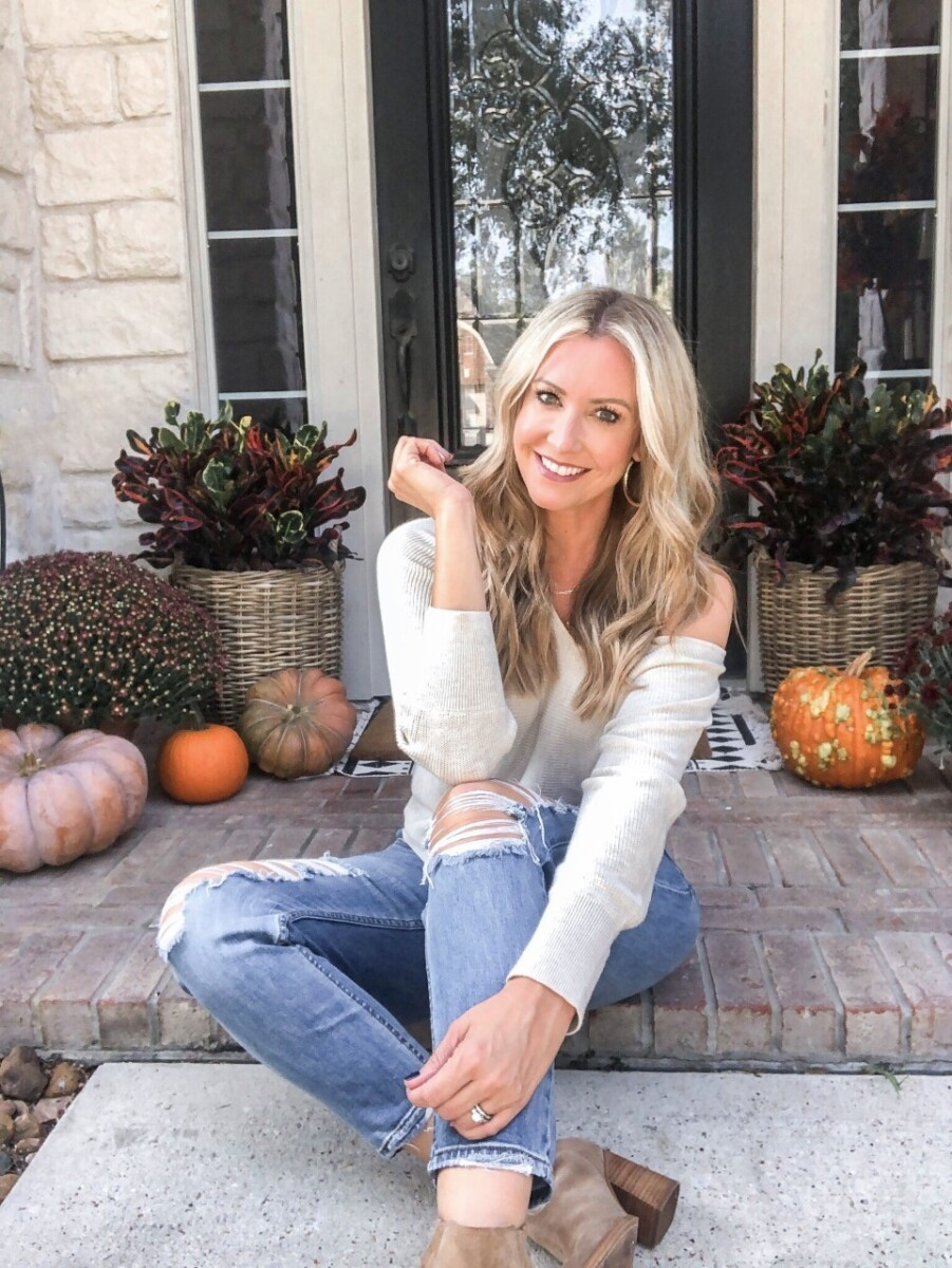 fall sweater |beauty trend event | Nordstrom Beauty by popular Houston beauty blog, Haute and Humid: image of a woman wearing a Leith Dolman Sleeve V-Neck Sweater.