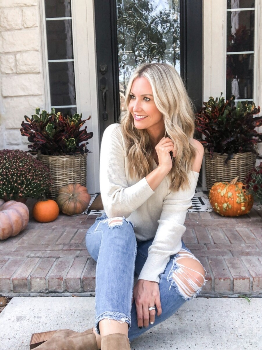 nordstrom makeup |fall sweater |beauty trend event | Nordstrom Beauty by popular Houston beauty blog, Haute and Humid: image of a woman wearing a Leith Dolman Sleeve V-Neck Sweater.
