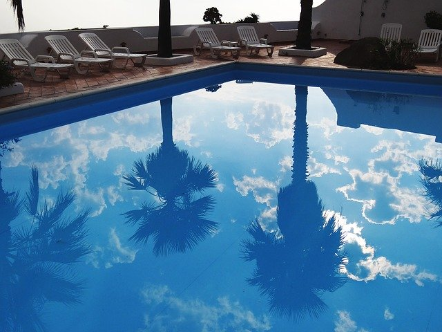 How to sterilize your swimming pool during the COVID-19 pandemic?