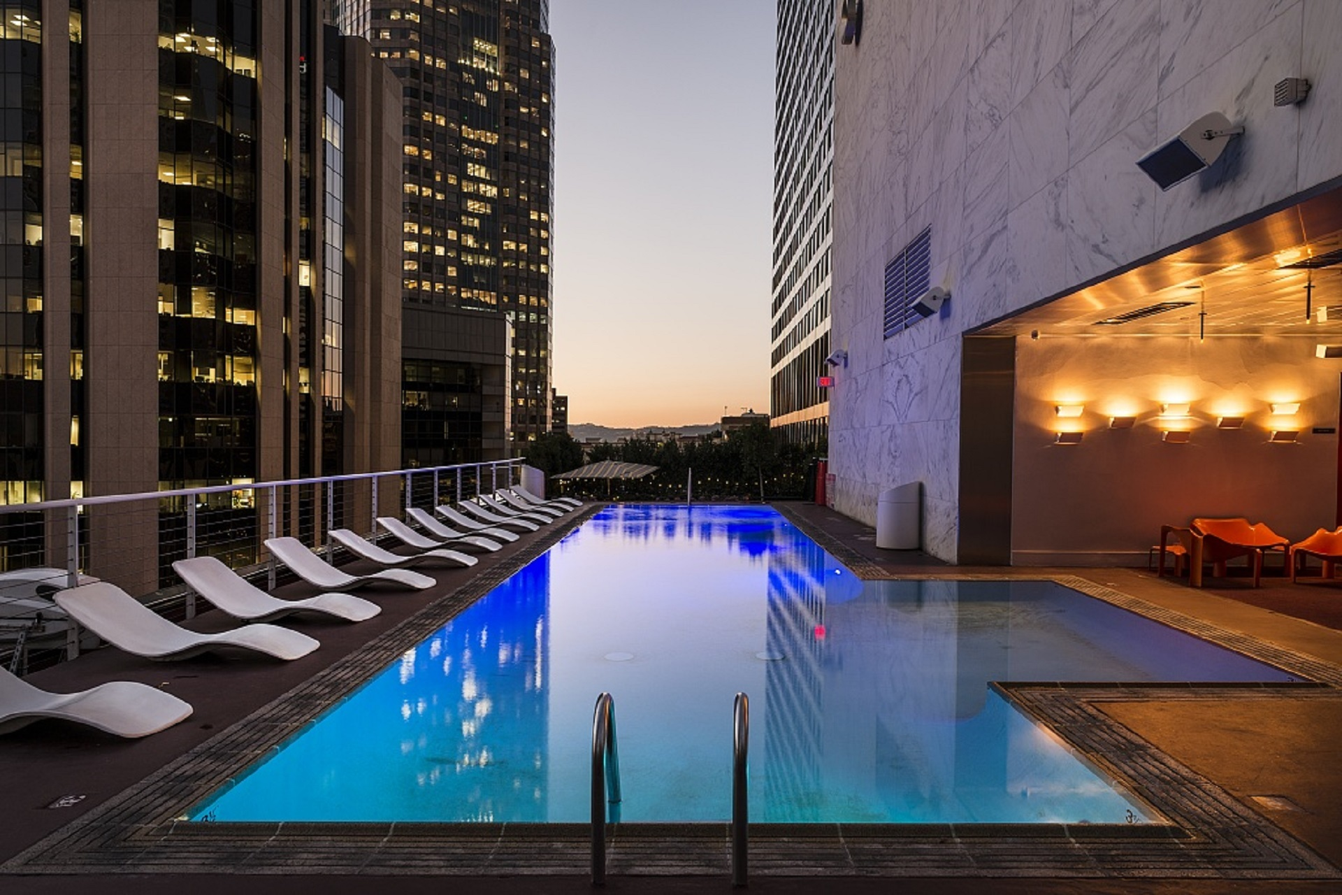 Best Types of Swimming Pools For Colder Climates