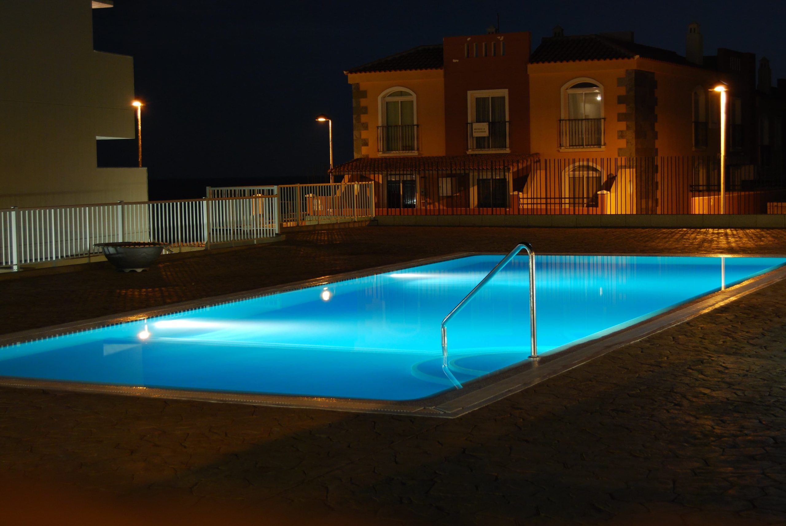 When to Replace Your Pool Pump & Common Problems with Solutions
