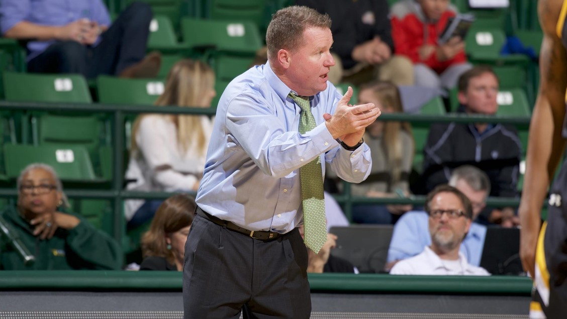 Coach Dave Paulsen