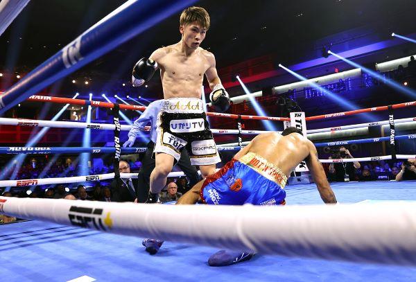 Naoya Inoue knocks down Michael Dasmarinas