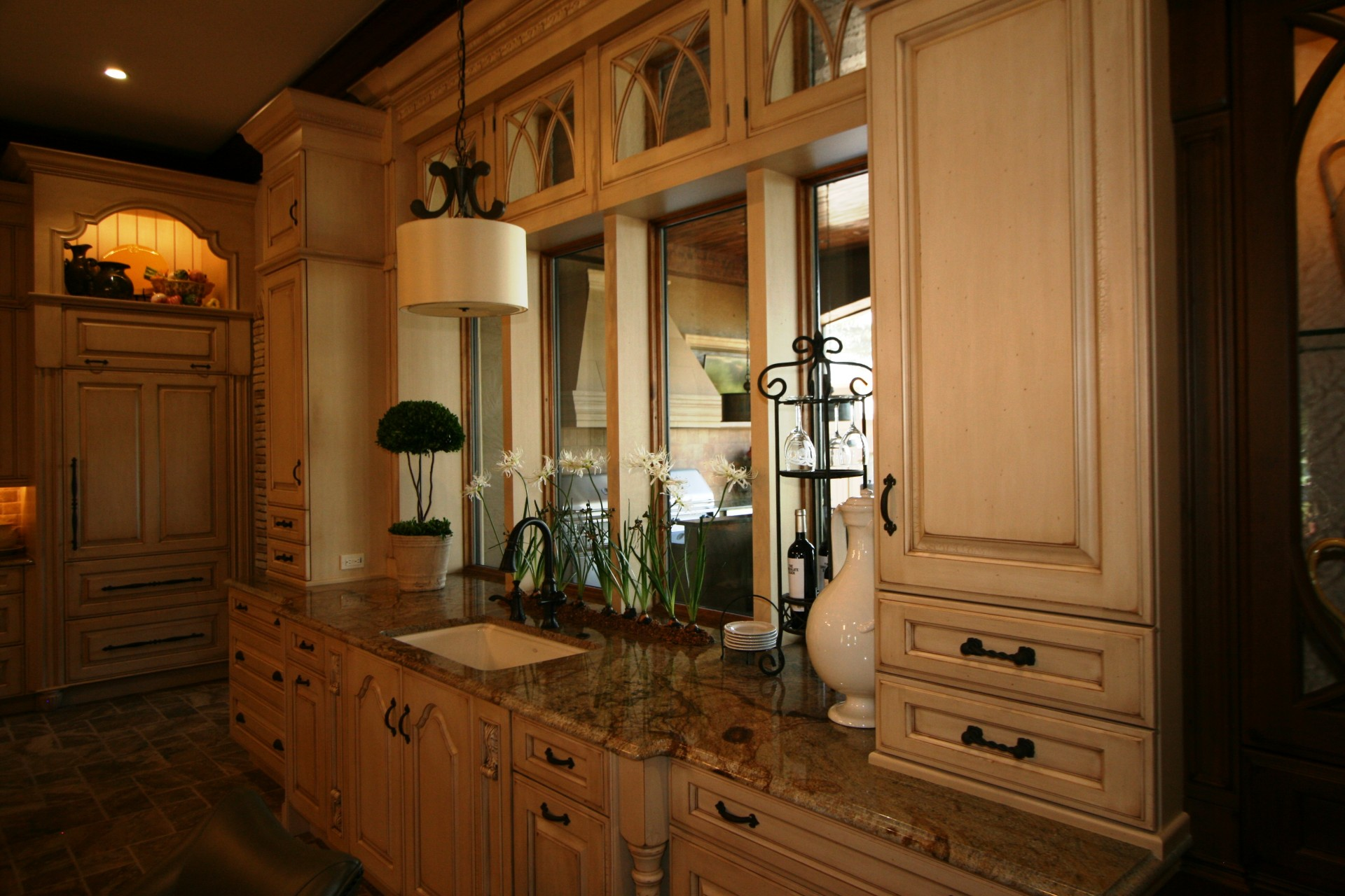 Damron kitchen, side