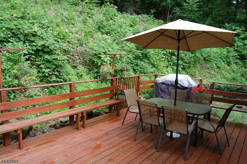 71a Pine Brook Backyard