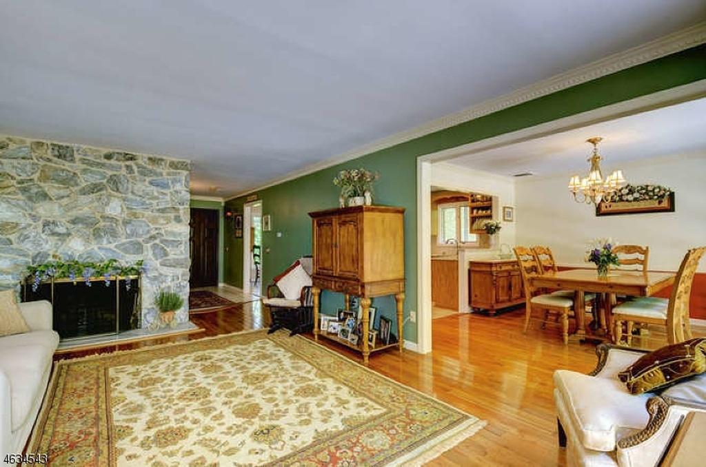 85 Stonybrook Interior