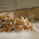 Mais de 170 mil empregos e  R$6 bilhões no PIB viram fumaça com o contrabando
