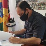 Prefeito Jarbas articula diversas frentes para compra de vacinas contra a Covid-19