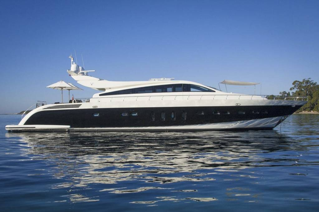 Leopard 106' Water Time Charter