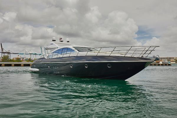 68' Azimut S 48 Water Time Charter