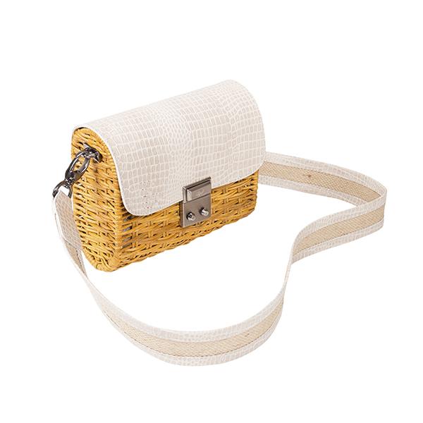 Bolsa Marcela croco off vista na lateral em palha