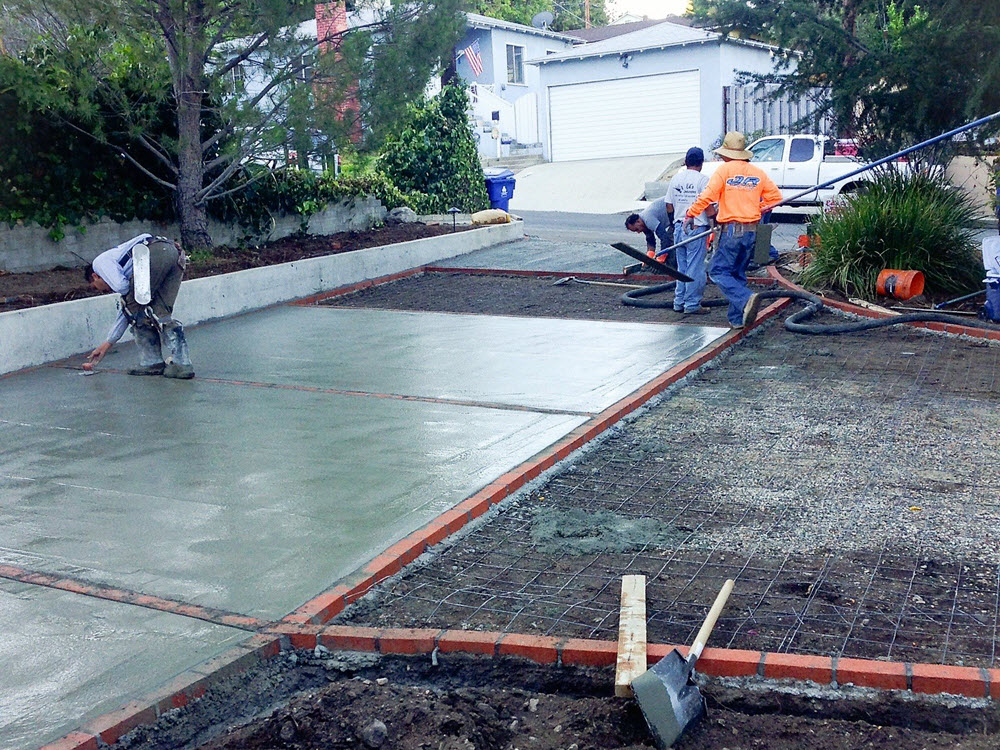 Ed's Landscaping Cement Driveway Installation