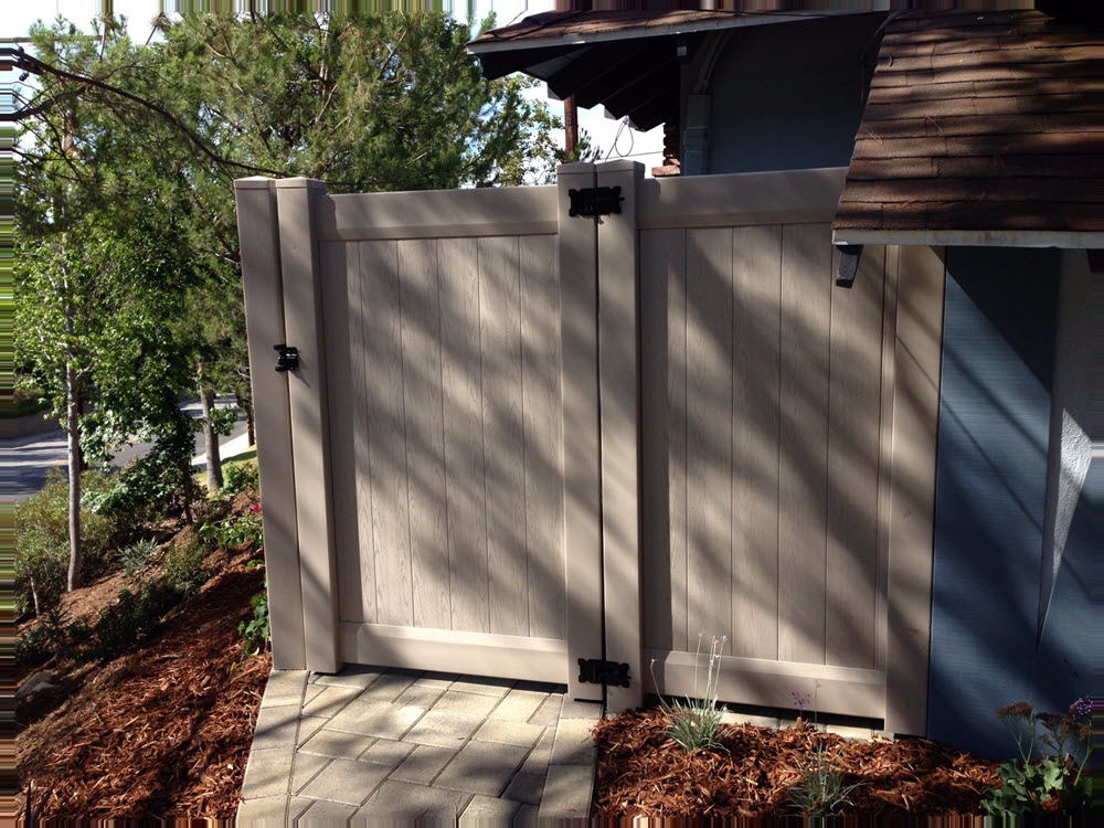 Ed's Landscaping Fence Gate