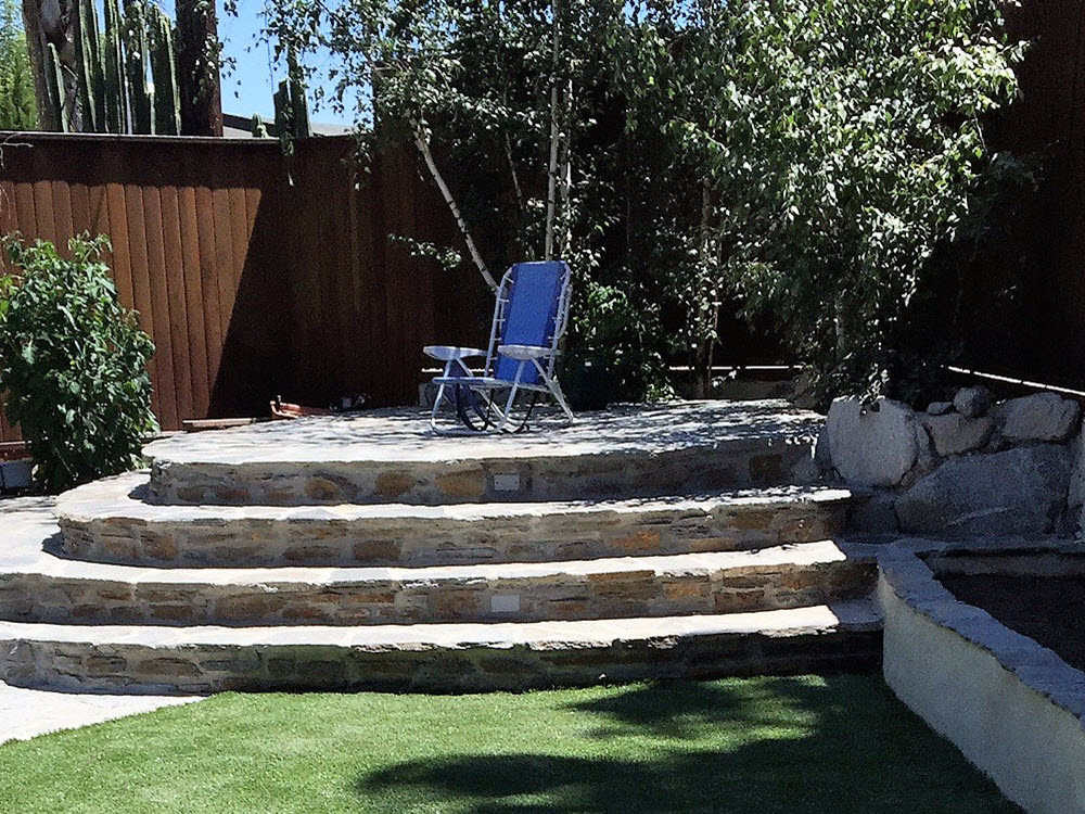Ed's Landscaping Natural Stone Patio
