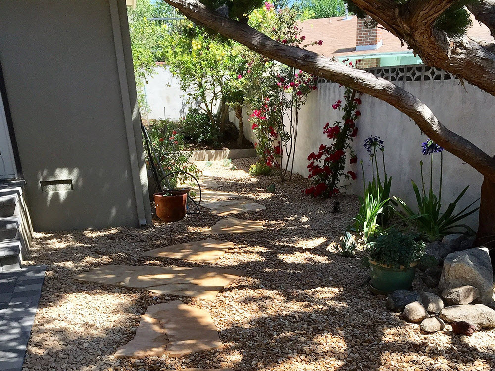 Ed's Landscaping Natural Stone pathway
