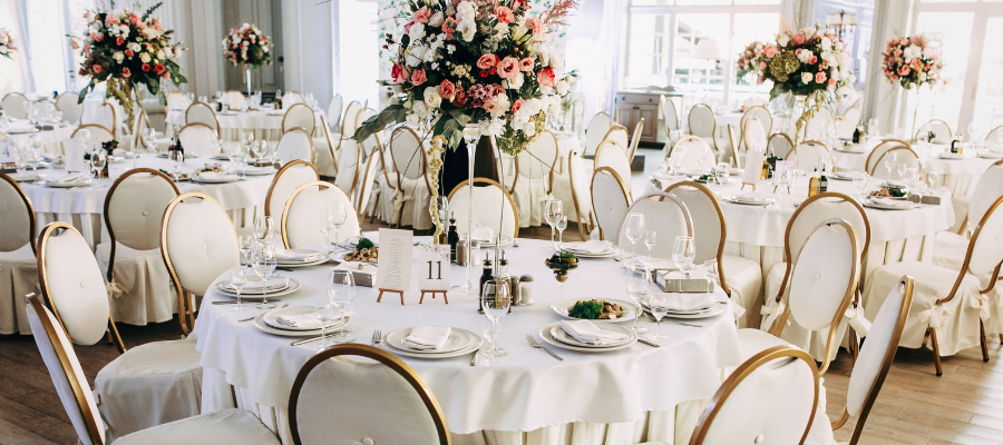 Wedding Guest List Etiquette: Who to Invite to Your Wedding
