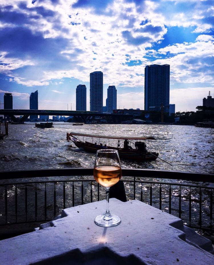 Shangri La Bangkok en perle ved elven!
