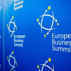 wall_european_business_summit-web2400