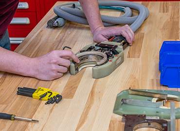Image of a specialist performing a repair