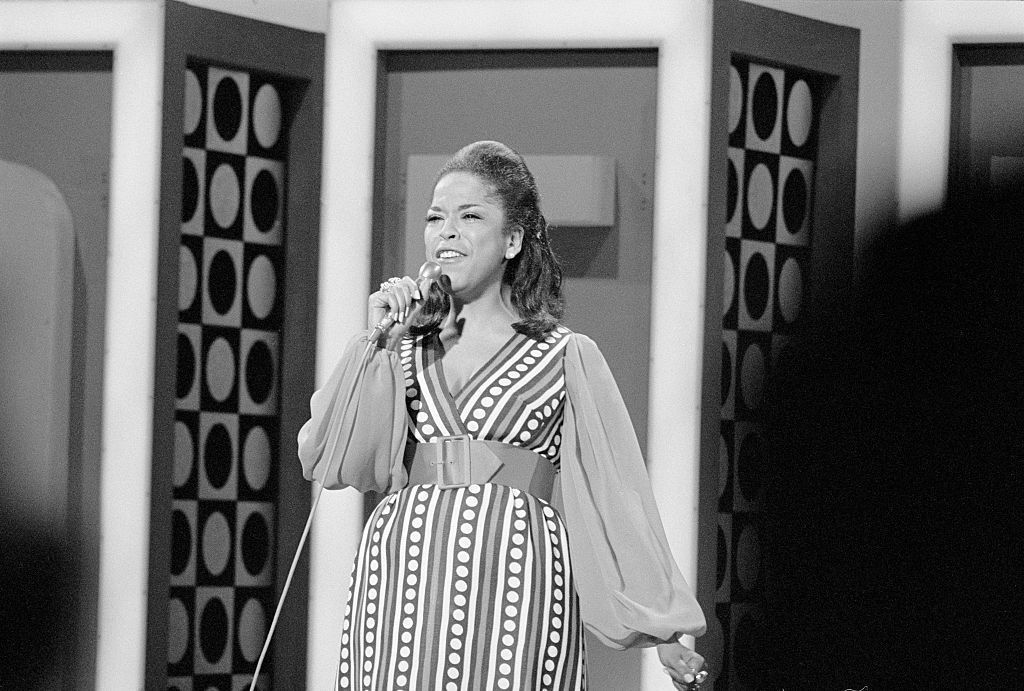 Decades Before Oprah, Della Reese was the First Black Woman to Host a Talk Show