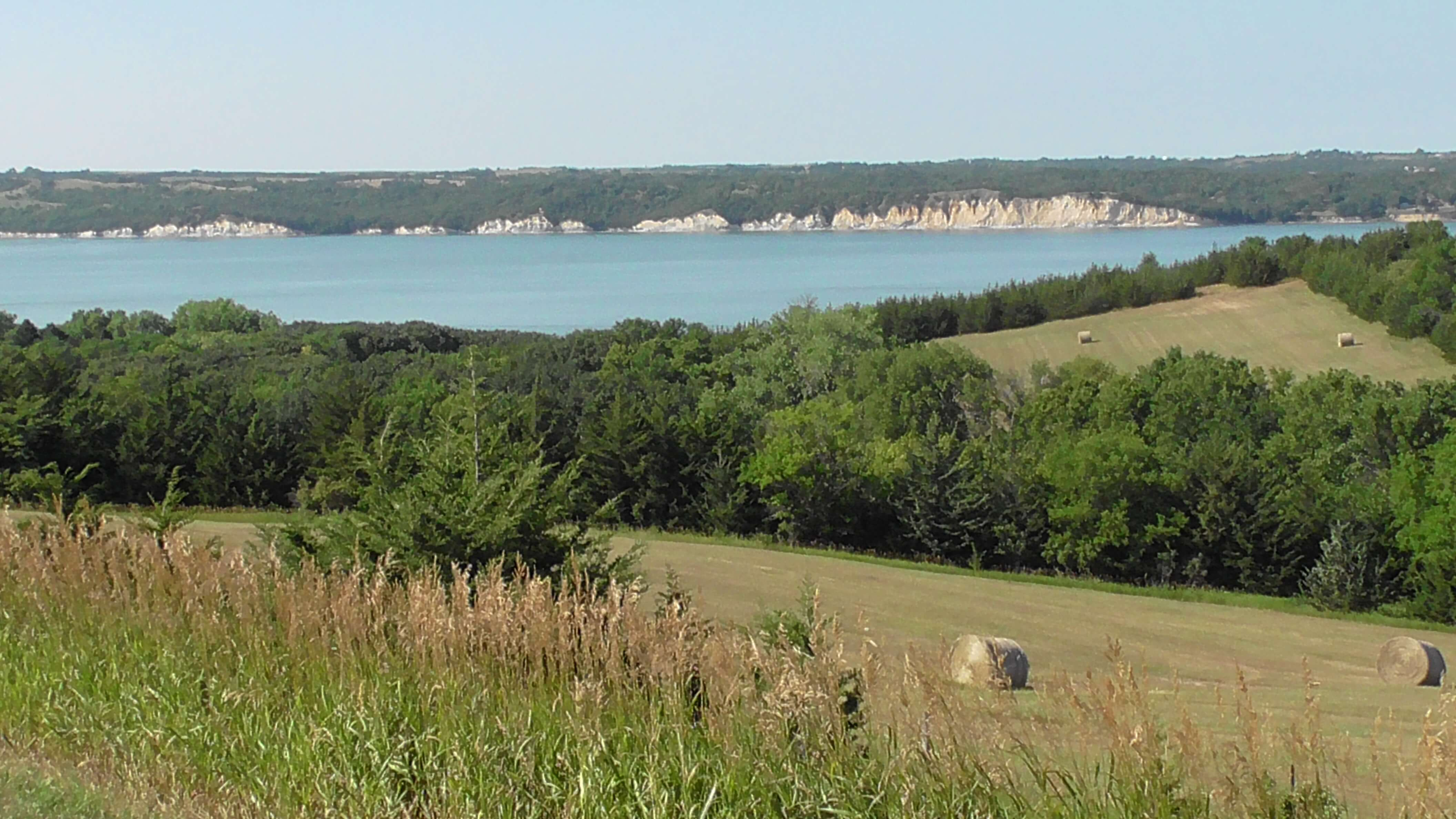 View of the Missouri River close to the Lewis and Clark State Recreation Area