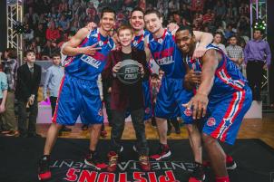 Jacob Dwoskin with Basketball Team
